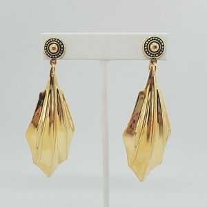 GOLD CLAW MEDALLION EARRINGS NEW
